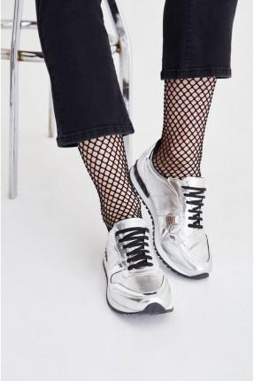 حذاء رياضة نسائي مع رباطات - فضي