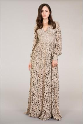 فستان دانتيل مفتوح الظهر