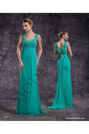 فستان سهرة طويل مع ذيا