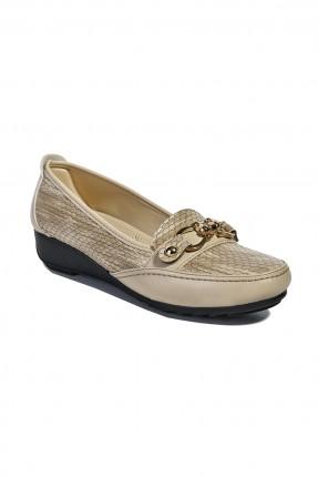 حذاء نسائي - كريم
