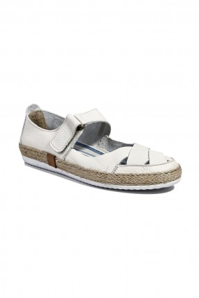 حذاء نسائي سبور - كريم