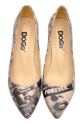 حذاء نسائي مطبوع