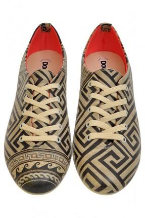 حذاء نسائي مخطط