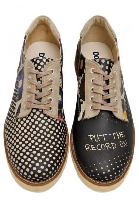 حذاء رجالي مطبوع
