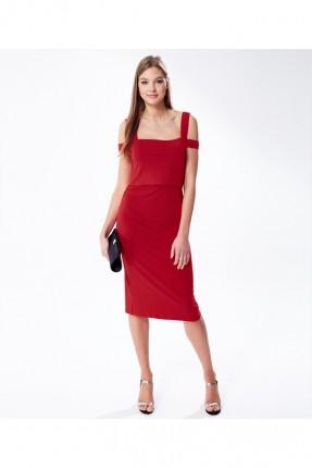 فستان نسائي للحامل يتميز بفتحات من الاسفل