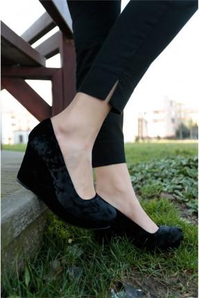 حذاء نسائي مخمل
