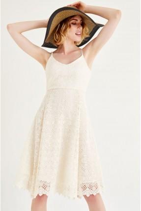 فستان دانتيل قصير