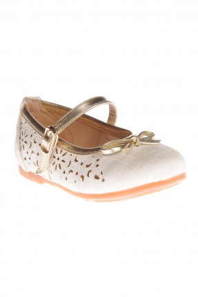 حذاء بناتي